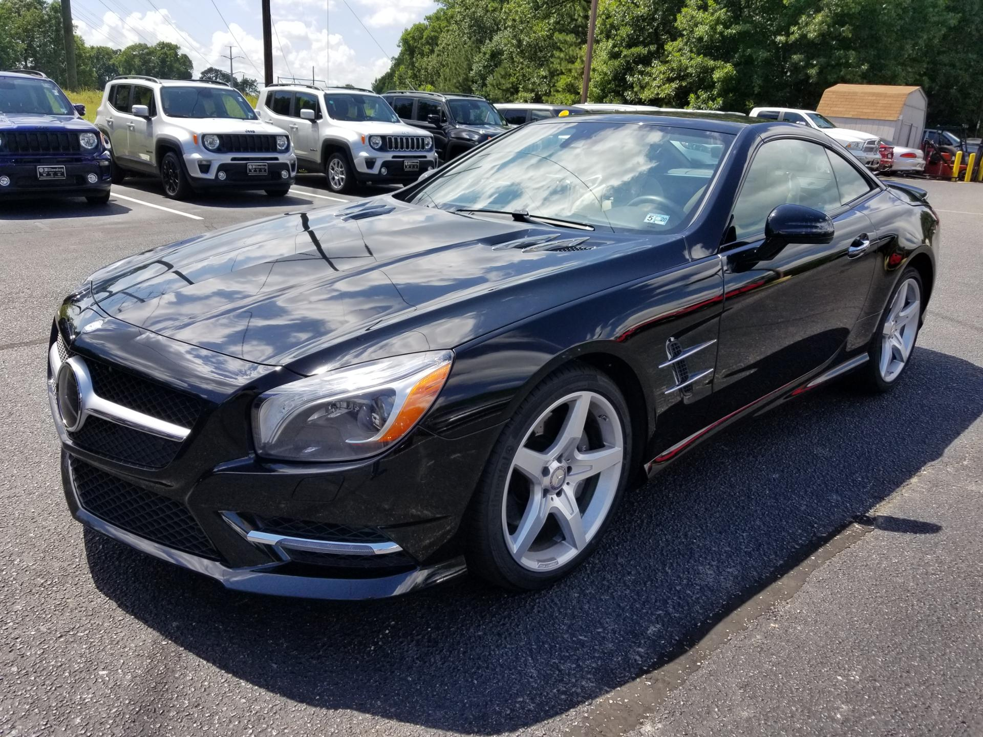 Pre-Owned 2016 Mercedes-Benz SL 550